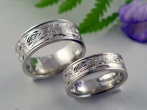 Wolf Wedding Bands With Diamond Eyes